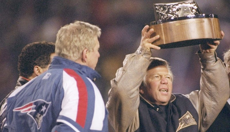 Illustration for article titled Parcells And Kraft Both Wish They Hadn't Been Such Dicks Back Then