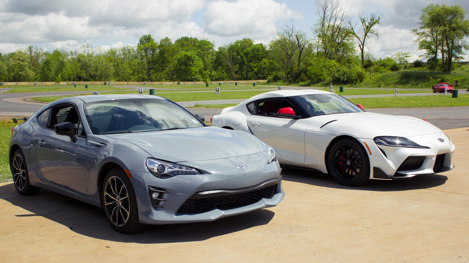 How The 2020 Toyota Supra Compares To The Toyota 86 In Real