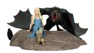 Illustration for article titled Dark Horse's Latest Game Of Thrones Statue Has A Giant Dragon Attached