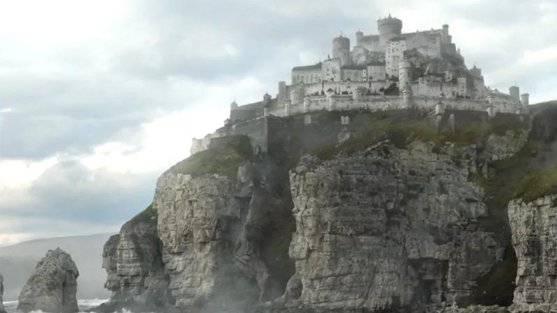 Casterly Rock tiene nuevos dueños. Bueno, viejos dueños. Es una precuela
