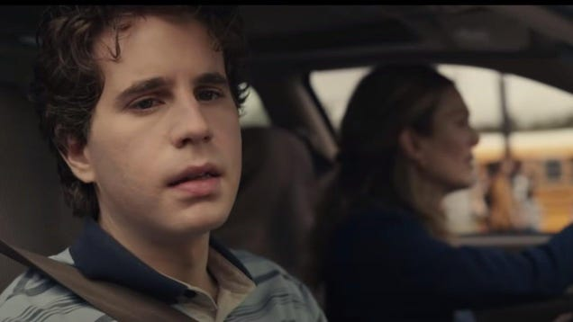 The Out-of-Touch Adults  Guide To Kid Culture: How Old Is Evan Hansen Again?