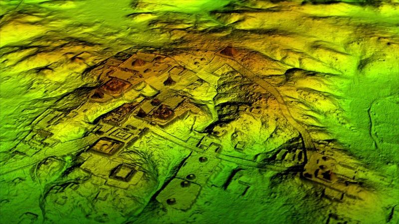 """Una exploración con láser revela una """"megalópolis"""" maya oculta bajo la jungla de Guatemala"""