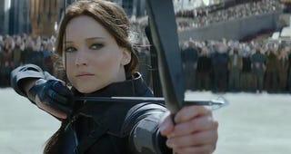 Illustration for article titled Éhező Katniss végre lenyilazza az államigazgatást