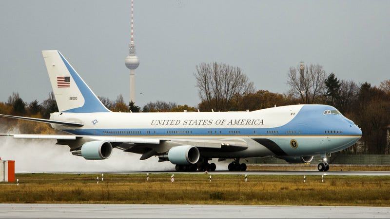 le dernier 5541e f13ce Trump Bitches About Air Force One Upgrade He Won't Get to ...