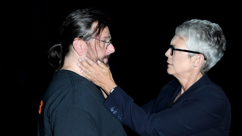 Illustration for article titled Jamie Lee Curtis shares tearful embrace with fan who says the Halloween movies literally saved his life