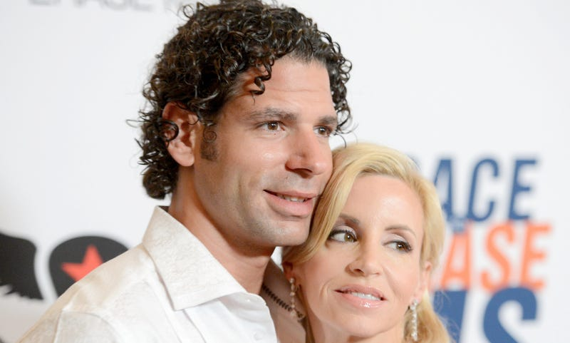 Illustration for article titled Camille Grammer Says It Was Her Boyfriend Who Beat Her Up