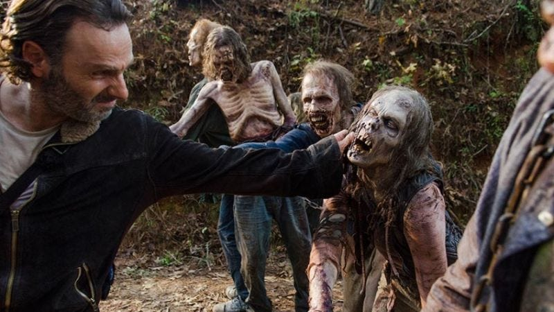 Illustration for article titled The Showrunner of The Walking Dead Thinks a Feature Film Is Inevitable