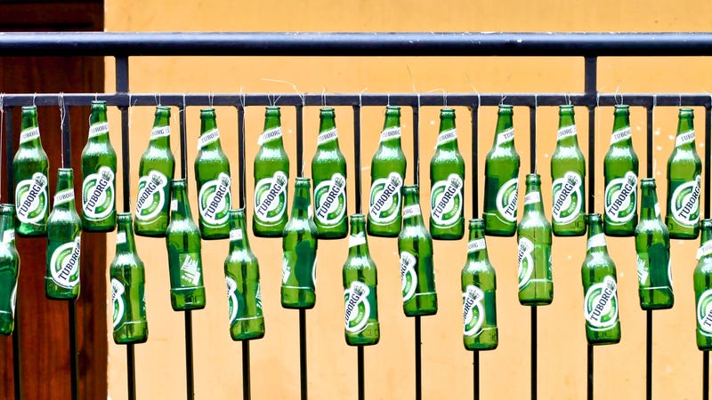 Illustration for article titled Open a Beer Bottle With Another Beer Bottle