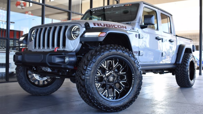 Illustration for article titled This Arizona Dealership Is Asking $148,000 For A Hellcat-Swapped Jeep Gladiator