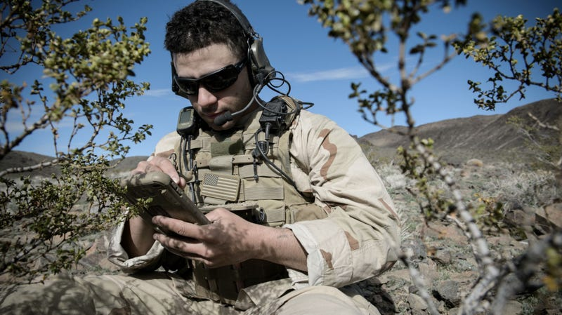 Illustration for article titled Soldiers Describe How DARPA Smartphones Save Lives in Battle