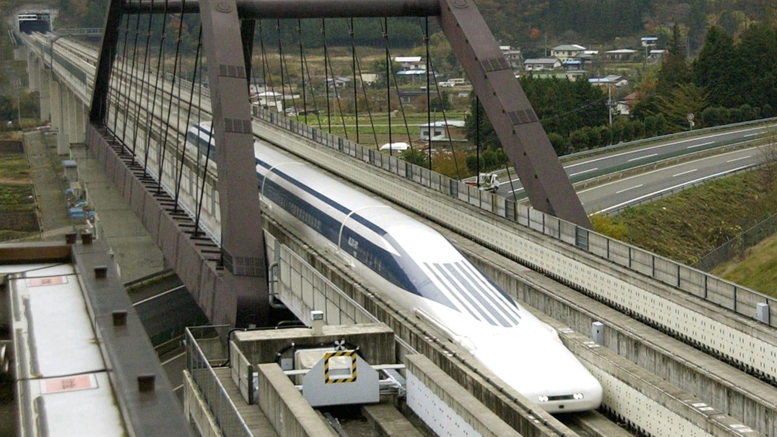 Japón vuelve a batir récord de velocidad con su tren Maglev Lo: 603 km/h