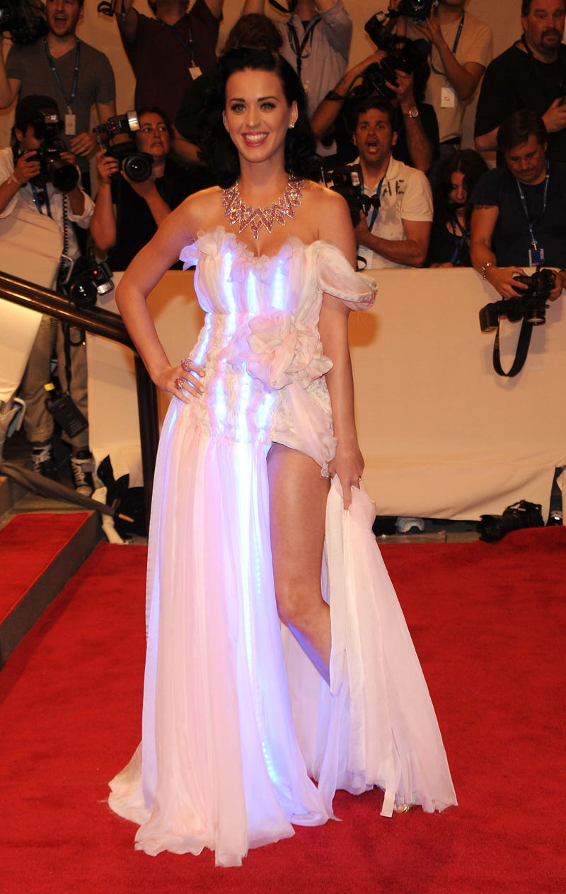 Illustration for article titled LED Dress Makes It Even Easier To Spot Katy Perry's Boobs