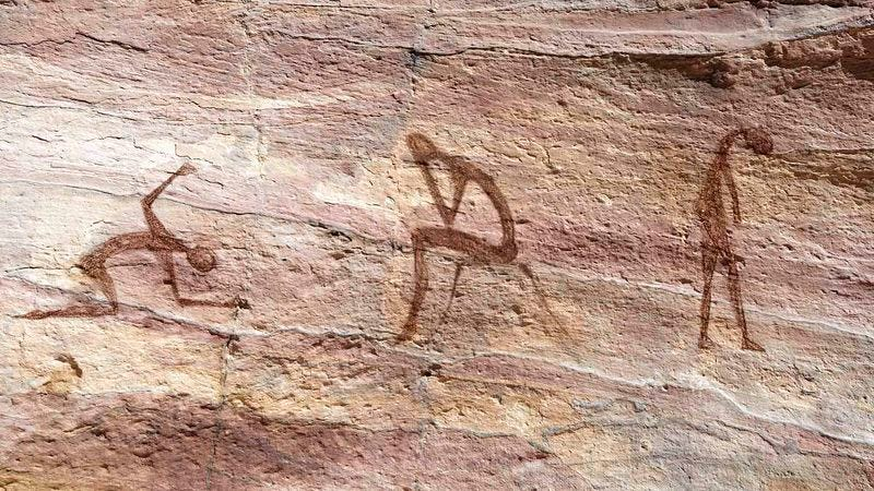 Shadows On Walls Of Our Media Cave >> Newly Discovered Cave Paintings Suggest Early Man Was Battling A Lot