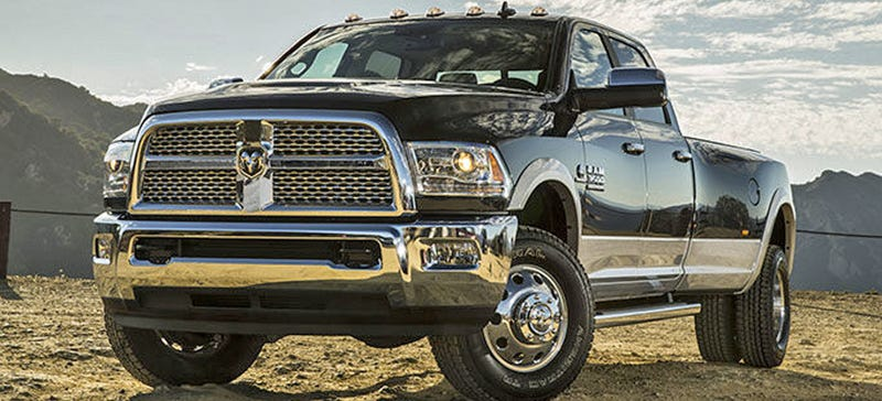 Illustration for article titled 2016 Ram Cummins Diesel Has 900 Freaking LB-FT Of Torque