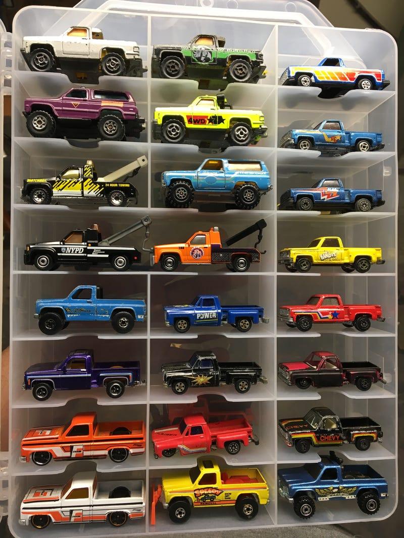 Illustration for article titled Truckin' Thursday: Squarebodies!