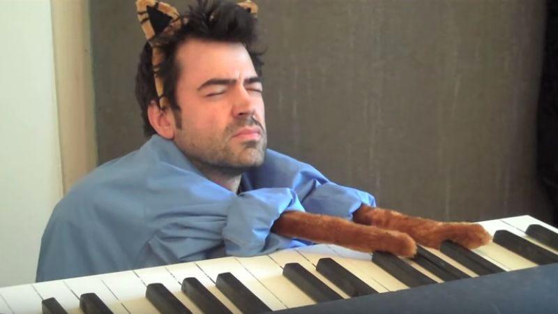 Ron Livingston as Keyboard Cat, via YouTube