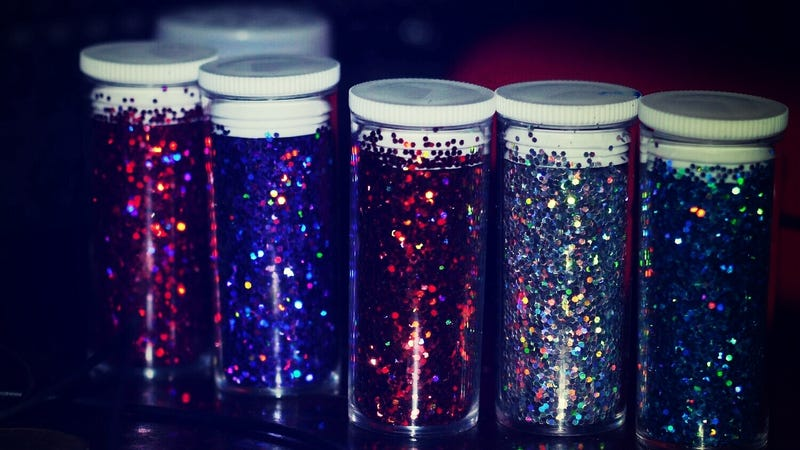Illustration for article titled Help an Upset Teen With This Glitter Jar Technique