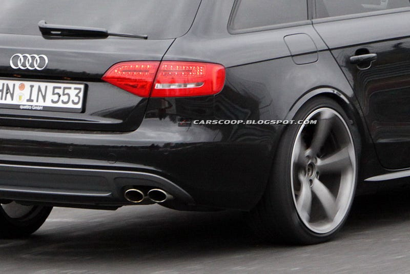 Illustration for article titled New Audi RS4 Avant takes a spin 'round the 'ring