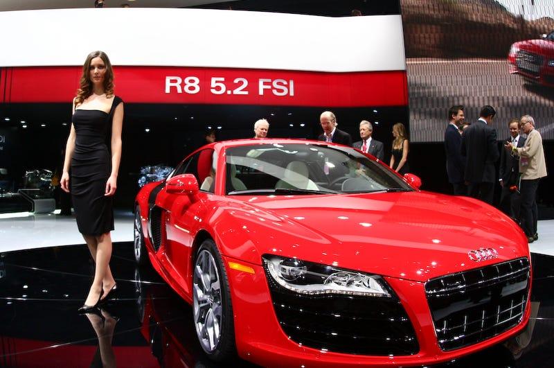 Illustration for article titled Audi R8 5.2 FSI Makes Live Detroit Debut