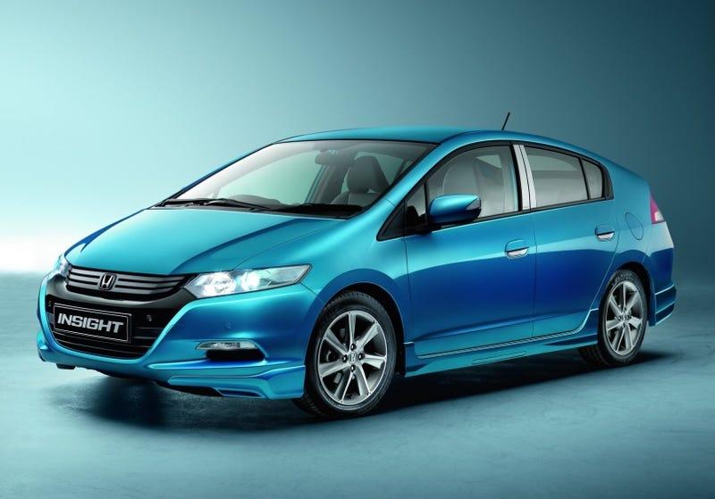 Illustration for article titled Honda Insight Hybrid Best-Selling Car In Japan