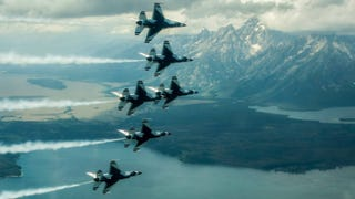 Thunderbirds Buzz The Tetons and Niagara Falls In These Stunning Images