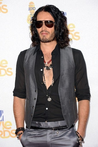 Illustration for article titled A Message For Russell Brand: Keep Rocking The Cleavage