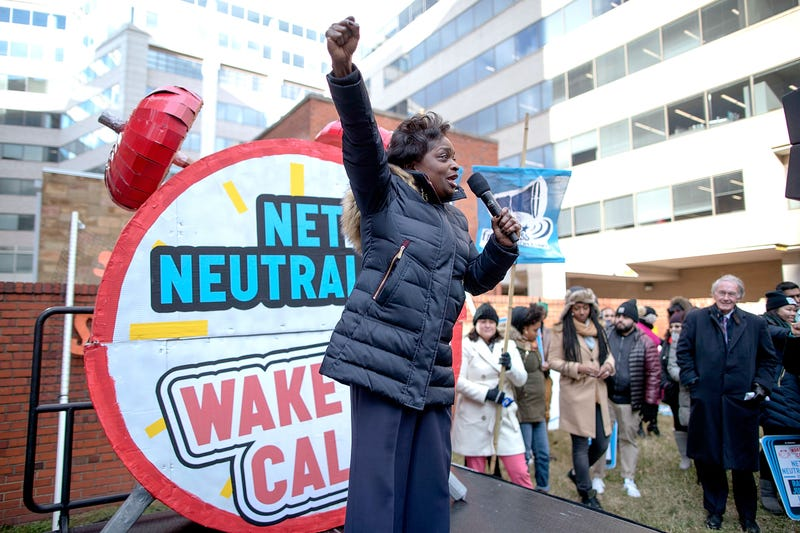 FCC Commissioner Mignon Clyburn addresses protesters outside the Federal Communications Commission building to rally against the end of net neutrality rules Dec. 14, 2017, in Washington, D.C. (Chip Somodevilla/Getty Images)