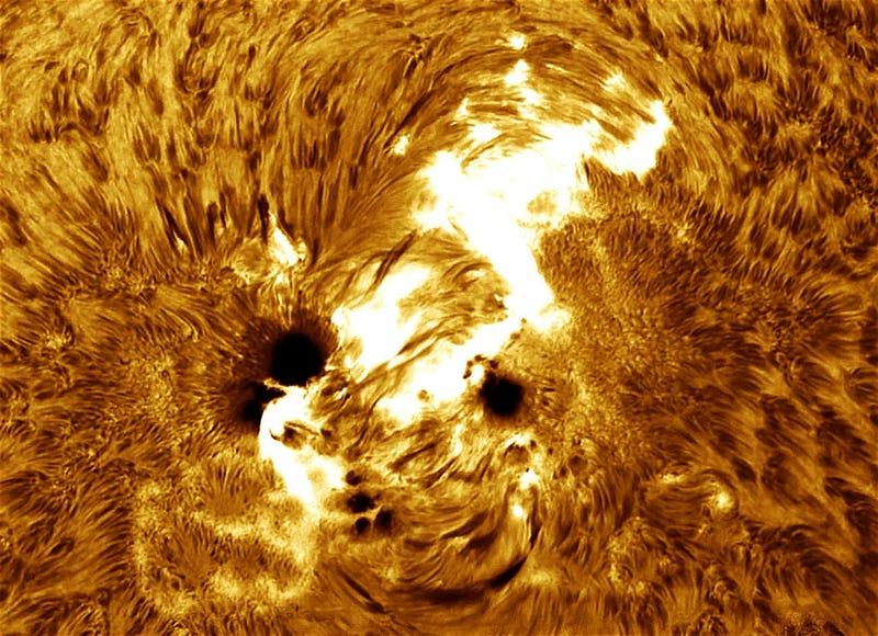 Illustration for article titled Contempla la mayor mancha solar de los últimos 24 años
