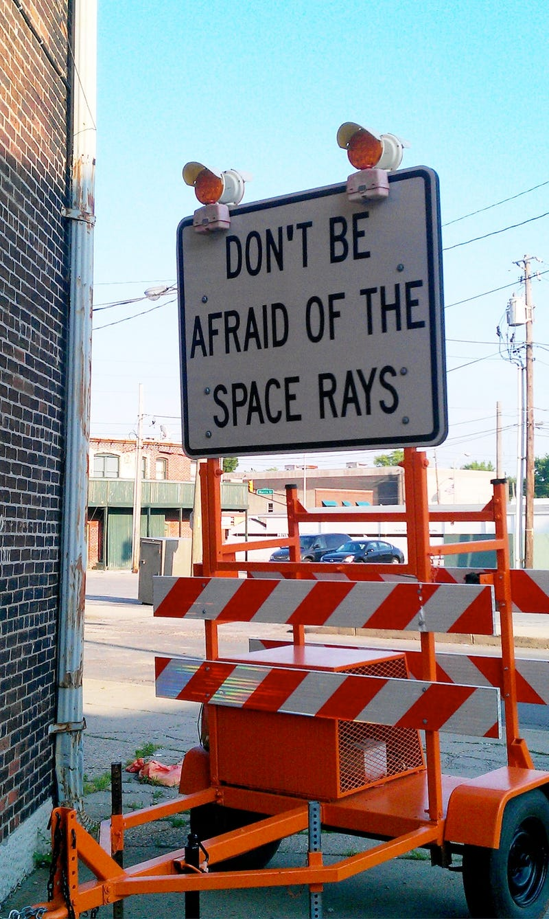 Illustration for article titled Indiana road sign advises drivers not to fear space rays