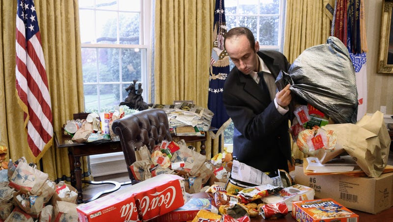 Illustration for article titled Staffers Frantically Trying To Restore Chaos To White House Before Trump Returns From Asia Trip