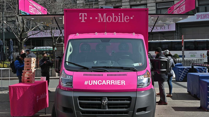 Illustration for article titled Ahead of Merger, T-Mobile Teases Its Cheapest Phone Plan Ever