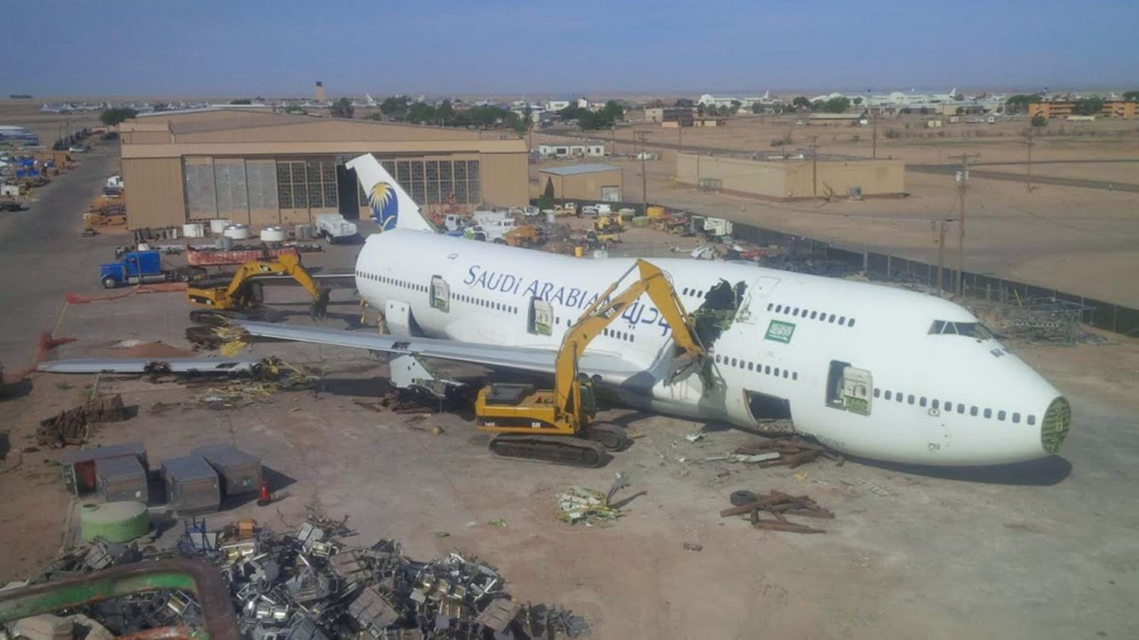 Roswell Recycling Center >> It Only Takes Four Days To Scrap A 747