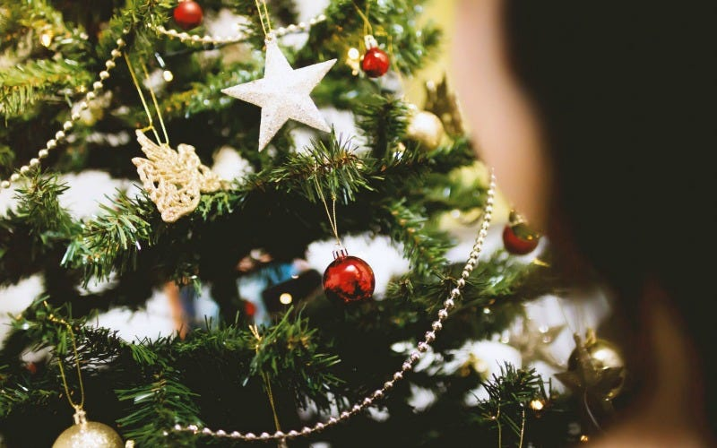 use a ping pong ball to tell if your christmas tree needs water