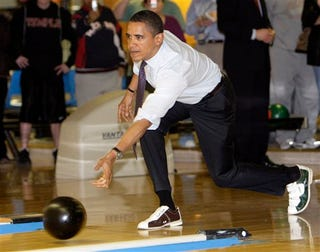 Illustration for article titled Really Important Debate: Does Barack Obama Bowling Like A Fag Mean He Is One?