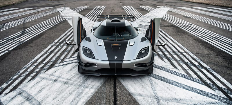 Illustration for article titled This Is How Fast The Koenigsegg One:1 Can Go Around Spa