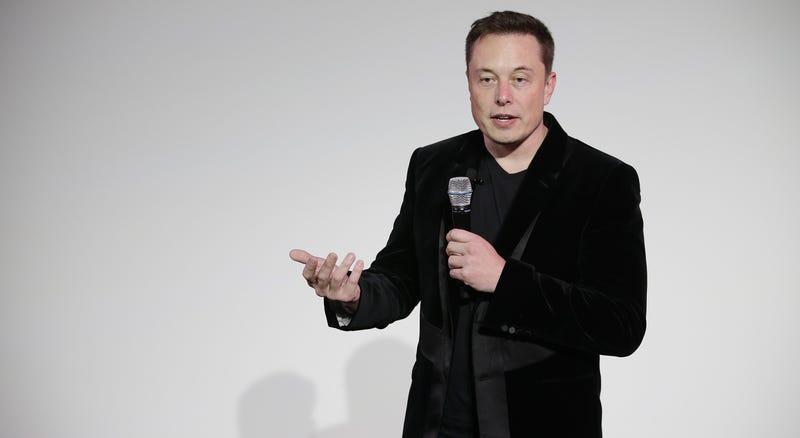 Elon Musk explica cómo y por qué quiere lanzar bombas nucleares en Marte