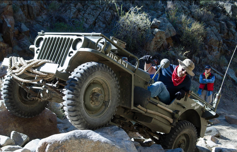 Illustration for article titled There's Nothing Cooler Than Flat-Fender Jeeps Offroading