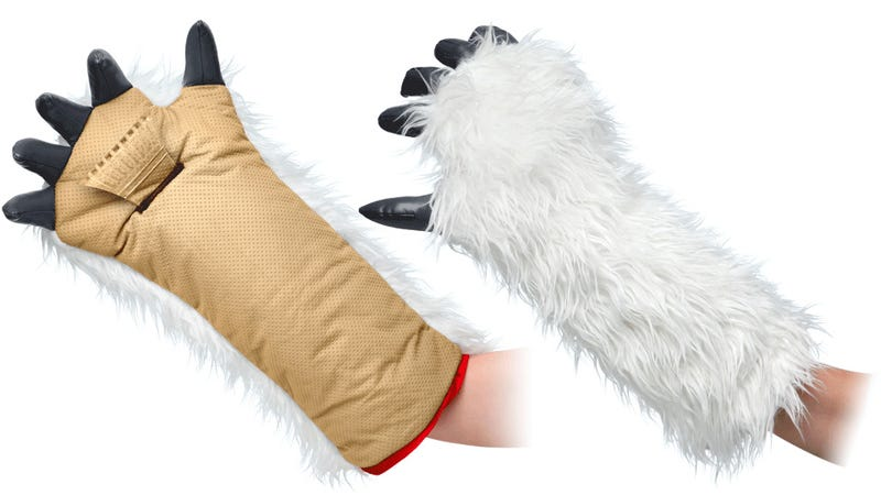 Illustration for article titled Battle Hoth-Like Winter Mornings With This Wampa Arm Ice Scraper