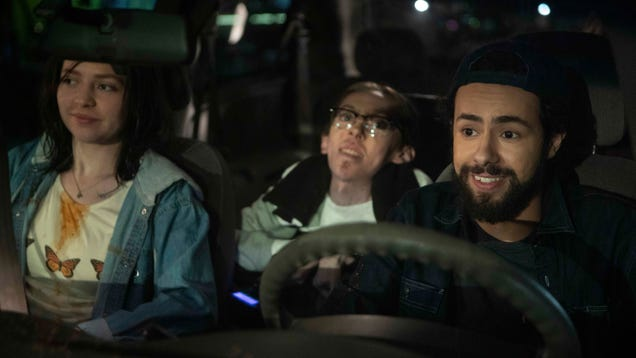 Ramy Youssef leads a thoughtful sitcom about clashing cultural values in Ramy