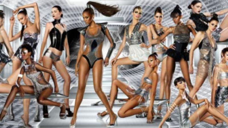 22 cycles of America's Next Top Model, and yet they never did one in space