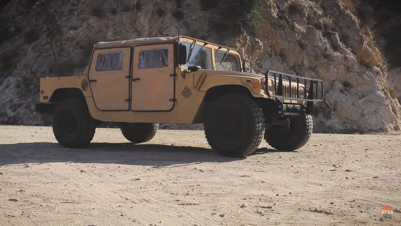 Illustration for article titled An Ex-Military Humvee Is A Gulf War-Era Icon