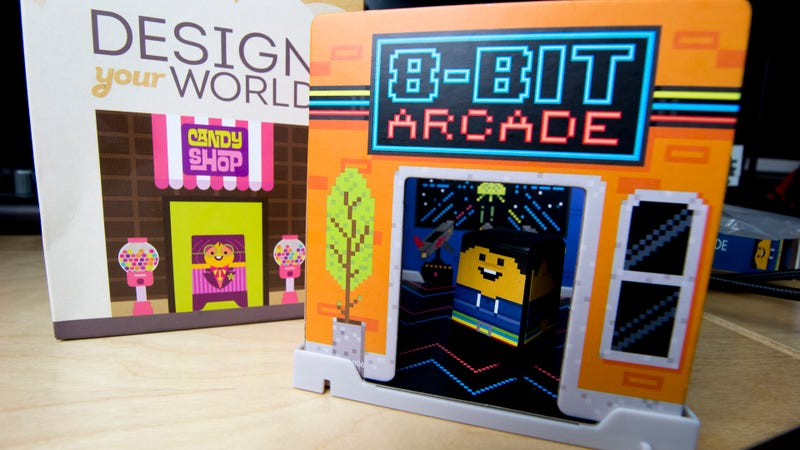 Illustration for article titled Tiny Cardboard Arcade Is An Awesome Kids' Meal Toy