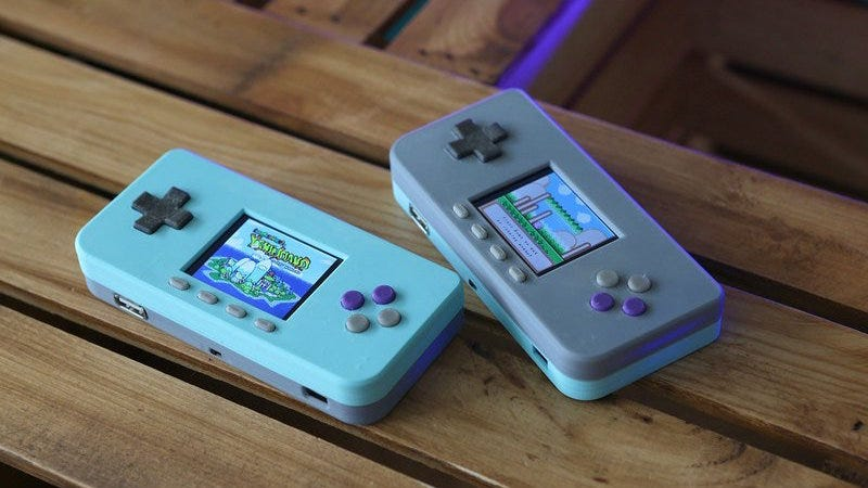 Build a Truly Pocket-Sized Video Game Console with a Raspberry Pi Zero