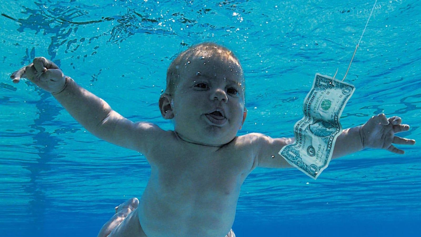 Por qué los bebés no pueden beber agua como los adultos