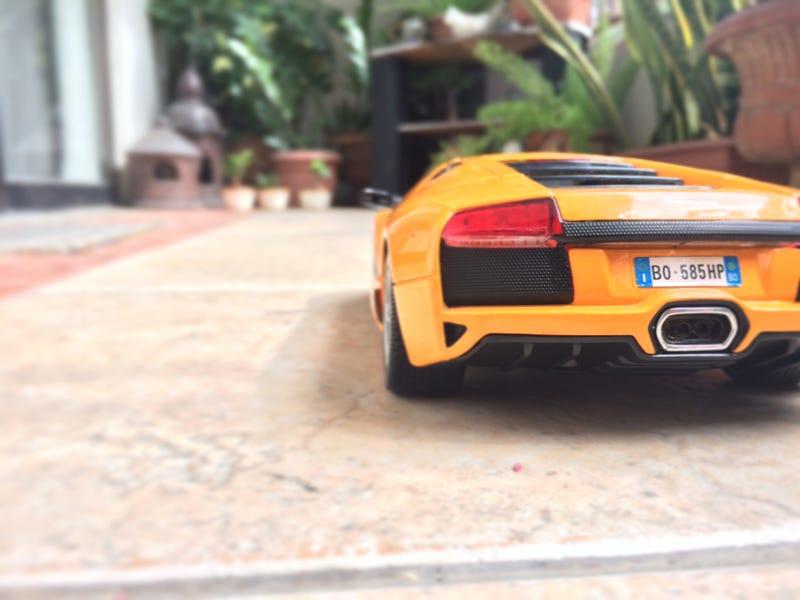 Illustration for article titled Maisto 1/18 Lamborghini Murcielago