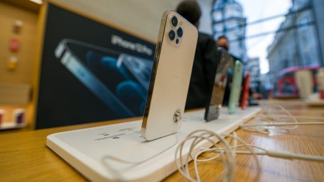 Brazilian Regulators Fine Apple Nearly $2 Million Over Charger-Less iPhone 12