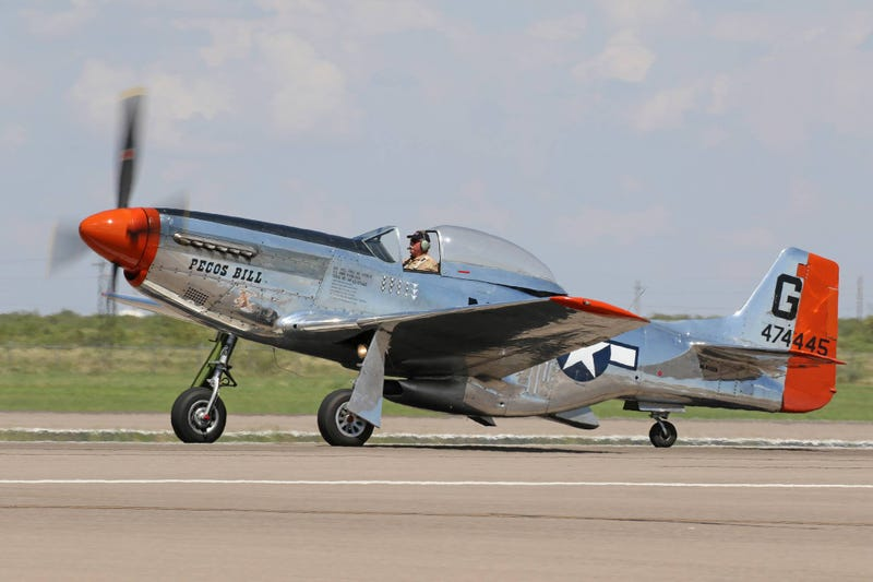 Illustration for article titled P-51D Mustang Crashes in Texas. Two Dead. [Update]