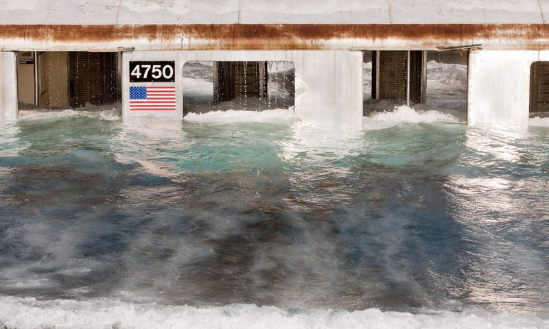 Illustration for article titled New York City shuts down subways, buses for Hurricane Irene