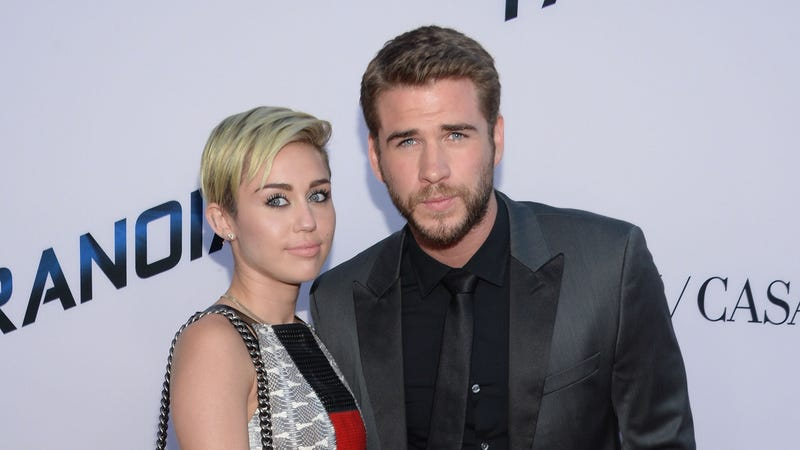 Illustration for article titled Miley Cyrus and Liam Hemsworth Officially Break Off Engagement