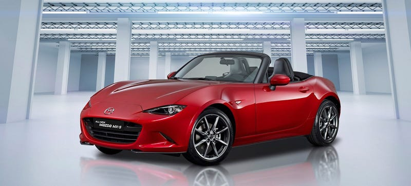 Illustration for article titled The 2016 Mazda Miata Weighs Just Two Pounds More Than A 1994 Mazda Miata